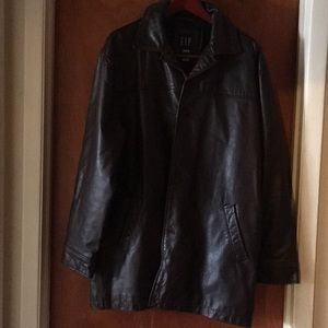 Brown leather jacket with 6 pockets